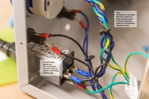 Eingang der Stromzufuhr, Schaltung des Entstörfilters/Sicherungen