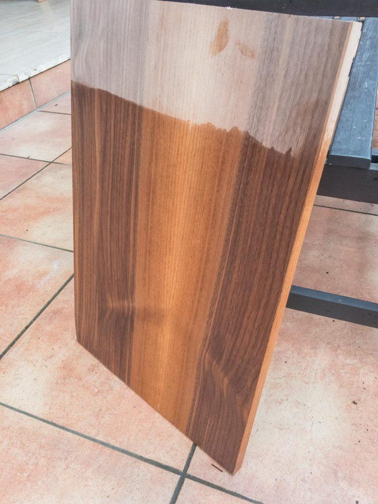 Nussbaum-Holz geölt vs. ungeölt